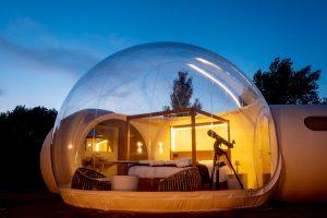 Hotel burbuja para dormir bajo las estrellas